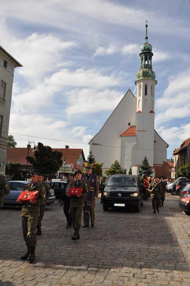 Przeglądane zdjęcia z artykułu: Pożegnanie Ś.P. płk. w st. spocz. lek.med. Józefa Błaszczyka